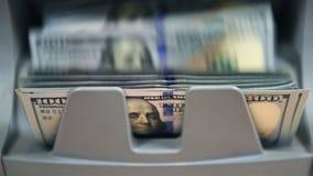 Валюта подсчитывая машину подсчитывает счеты Usd сток-видео