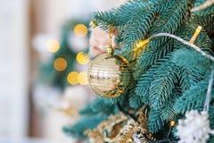 вал рождества шарика золотистый Предпосылка концепции светов, веселая Стоковая Фотография