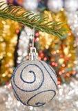 вал сосенки рождества шарика ветви вися Стоковые Фото