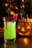 вампир поцелуя s halloween пить коктеила Стоковое Фото