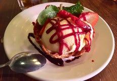 Ванильный десерт экстренныйого выпуска мороженого Стоковые Изображения