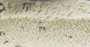 Ванильное мороженое с обломоками шоколада закрывает вверх стоковое фото rf