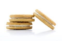 Ванильные печенья при сливк заполняя на белой предпосылке Стоковые Изображения