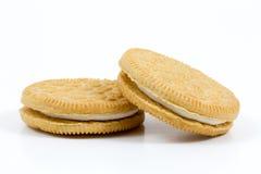 Ванильные печенья при сливк заполняя на белой предпосылке Стоковые Фото