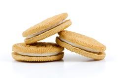 Ванильные печенья при сливк заполняя на белой предпосылке Стоковые Фотографии RF