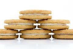 Ванильные печенья при сливк заполняя на белой предпосылке Стоковое Изображение