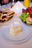 Ванильный торт Стоковые Фотографии RF