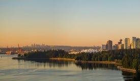 Ванкувера городской пейзаж ДО РОЖДЕСТВА ХРИСТОВА взглядом утра парка Стэнли Стоковые Изображения RF