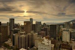 Ванкувера городской пейзаж ДО РОЖДЕСТВА ХРИСТОВА во время захода солнца Стоковая Фотография