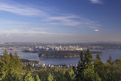 Ванкувера городской пейзаж ДО РОЖДЕСТВА ХРИСТОВА и парк Стэнли Стоковое Изображение RF
