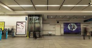 ВАНКУВЕР, ДО РОЖДЕСТВА ХРИСТОВА, КАНАДА - 3-ЬЕ ОКТЯБРЯ 2018: Станция центра города Ванкувера промежутка времени на выравнивать ча видеоматериал
