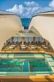 Ванкувер, Канада - 12-ое сентября 2018: Бассейн палубы Lido, туристическое судно Volendam стоковые фотографии rf
