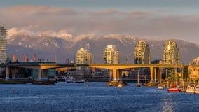Ванкувер, Канада - 17-ое марта 2016 Мост Cambie Стоковая Фотография RF