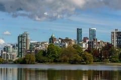 Ванкувер Канада - 14-ое мая 2017, архитектура и здания внутри к центру города Стоковая Фотография RF