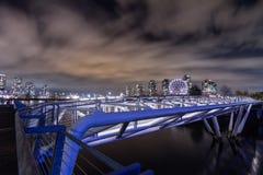 ВАНКУВЕР 2012: Пешеходный мост на False Creek с наукой Wo Стоковое Фото