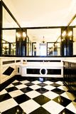 Ванная комната с светотеневыми плитками Стоковая Фотография RF
