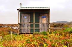 Ванная комната туалета в кусте outdoors Стоковое Изображение RF