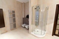 ванная комната omfortable Стоковое Изображение