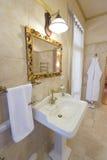 ванная комната omfortable Стоковая Фотография