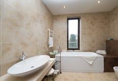 ванная комната omfortable Стоковое Изображение RF