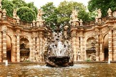 Ванна фонтана нимф во дворце zwinger в Дрездене стоковое изображение rf