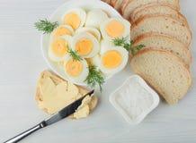 Вареные яйца с укропом Стоковые Фото