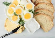 Вареные яйца с укропом Стоковые Фотографии RF
