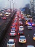 Варенье и загрязнение воздуха плотного движения Пекина стоковое изображение