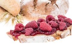 Варенье поленики с хлебом в предпосылке Стоковое фото RF