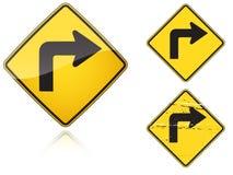 варианты поворота движения знака правой дороги установленные острые Стоковая Фотография RF