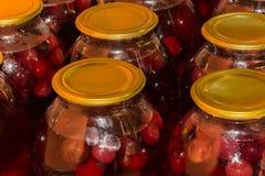 Варить варенье вишни Стоковое Изображение RF
