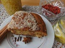 Варить вегетарианский здоровый торт с ягодами goji стоковое фото