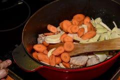 варить еду Стоковые Фото