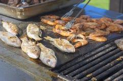 Варить морепродукты для обеда Стоковые Фото