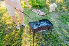 Варить мясо на решетке Стоковое Изображение