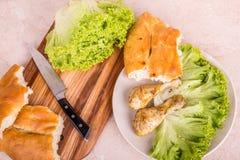 Варить ноги цыпленка с специями и зелеными цветами сада Стоковое Фото