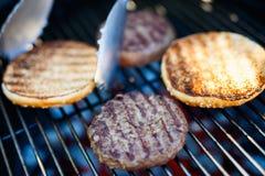 Варить домодельного бургера Стоковое Изображение RF