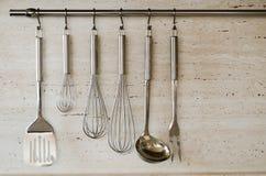 варить различные инструменты кухни Стоковая Фотография RF