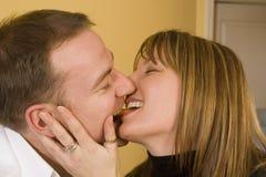 варить целовать пар счастливый стоковое изображение rf