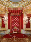 Варшава, королевский замок. Главный королевский трон Стоковая Фотография