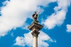 Варшава Польша - май 2019: Старого Столбца городка, квадрата Plac Zamkowy замка, королевского замка и короля Sigmund's Вид с возд стоковое фото