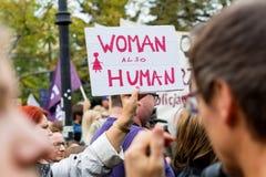 Варшава, Польша, 2016 10 01 - опротестуйте против закона f анти--аборта Стоковые Фотографии RF