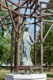 ВАРШАВА, POLAND/EUROPE - 17-ОЕ СЕНТЯБРЯ: Статуя девой марии Стоковое Изображение RF