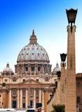 Ватикан. Зона перед Cathedral.Cityscape St Peter в солнечном дне Стоковое Изображение