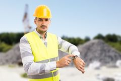 Вахта показа менеджера строительной площадки как поздно концепция Стоковое Фото