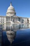 Вашингтон - здание и отражение капитолия Стоковые Изображения