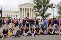 ВАШИНГТОН, DC - 6-ОЕ ОКТЯБРЯ 2018: Верховный Суд протестует снова стоковая фотография