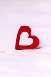 Валентайн дня s белизна вектора иллюстрации сердца предпосылки красная Стоковое Изображение