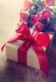 Валентайн подарка s дня Стоковые Изображения