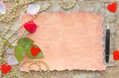 Валентайн сердец красное s золота дня предпосылки Стоковое Изображение